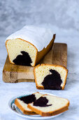 Easter pound cake with rabbit-shaped chocolate pastry