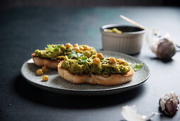 Grilled bread with a baked chickpea spread (vegan)