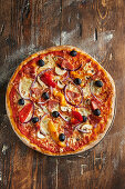 Pizza Venice with black olives and bell pepper