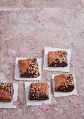 Crispy almond biscuits with brittle