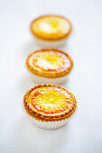 Small tartes with cream cheese-eggceme
