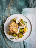 Gratinated cod in a yoghurt and mustard marinade on curried leek