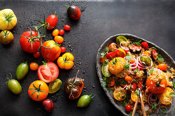 Bulgur salad with colourful tomatoes