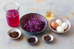 Red cabbage cooking water for marinating and colouring hard-boiled eggs