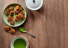 Samp-and-lentil 'meatballs' with spinach mayo