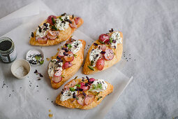 Sandwiches with cream cheese and roasted radish