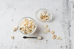 Popcorn with grated coconut
