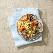 Linguine with clams and bacon