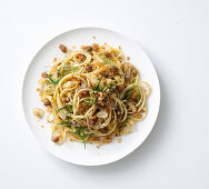 Spaghetti con la mollica (spaghetti with breadcrumbs, Italy)