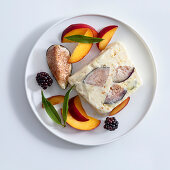 Almond and fig parfait with fresh fruits