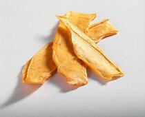 Dried papaya slices