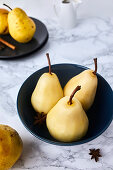 Poached pears with spices