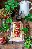 Wild strawberry tart with cottage cheese filling