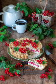 Currant streusel cake with quark filling