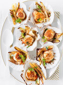 Scallops with gingerbread and honeyed chicory