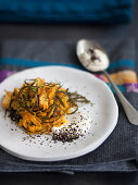 Carrot and seaweed salad with tofu dressing