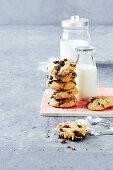 Crunchy chocolate chip microwave cookies