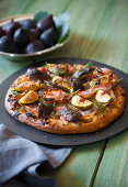 Fig focaccia with shallots, rosemary and bacon