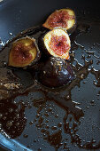 Caramelised figs in a pan