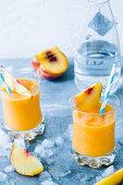 Gin and peach slushi