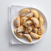 Deep-fried dumplings with ricotta and chocolate filling