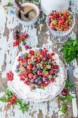 Pavlova_with_berries