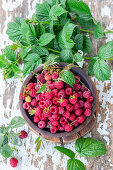 Fresh_raspberries