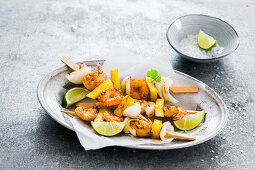 Shrimp skewers with cocinade
