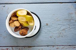 Banana, chia cookies and dates