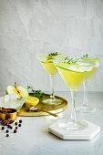 Spiced apple cocktail