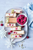 Ice cream sandwiches with raspberries and pistachios (for Christmas)
