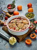 Apricot and strawberries crumble