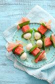 Melonen-Mozzarella-Spiesse