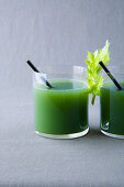 Celery and pear juice with tarragon