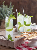 Lemon fizz with gin