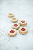 Vegan biscuits with currant jelly and quince jelly