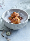 Yeast braided buns with raisins