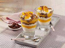 Pfirsich-Trifle mit Quark