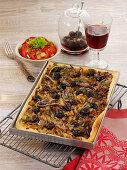 Provenzalischer Zwiebelkuchen mit Sardellen und schwarzen Oliven
