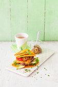 Süßkartoffel-Burger mit Rinderhack und Avocado