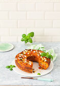 Makkaroni-Feta-Kuchen mit Zucchini