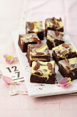 Pecan brownies with cream cheese topping