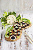 Cauliflower sushi with carrots and peppers