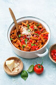One-pot pasta 'Bolognese'