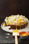 Kokos-Zitronengras-Brulee-Torte mit Vanillebaiser
