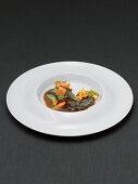 Kalbsbäckchen mit jungem Gemüse
