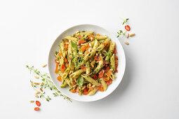 Pennette al pesto focoso (pasta with spicy pesto, Italy)