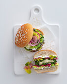 Spinach burger with scamorza and vegetables