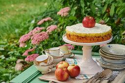 Apple cake with vanilla and cardamom