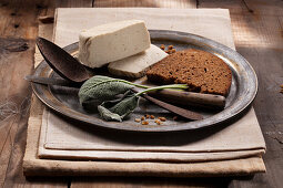 Wholemeal bread with tofu and sage